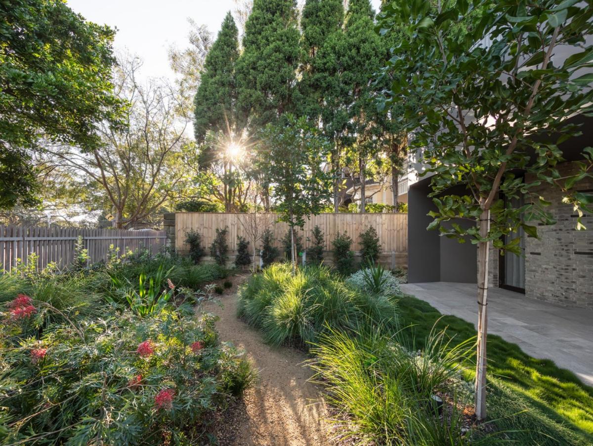 Centennial Park Bell side garden sm